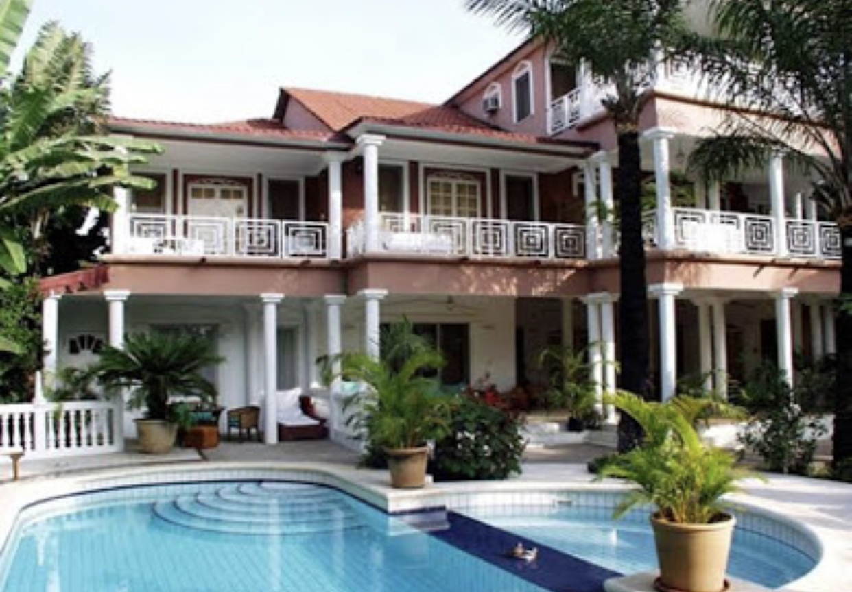 Hotel for sale with 30 rooms in senegambia