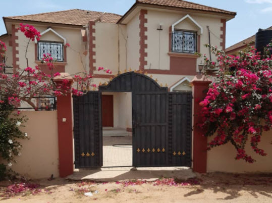 three bedrooms house for sale in paradise estate for sale