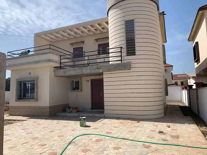 Three bedrooms house for sale at paradise view