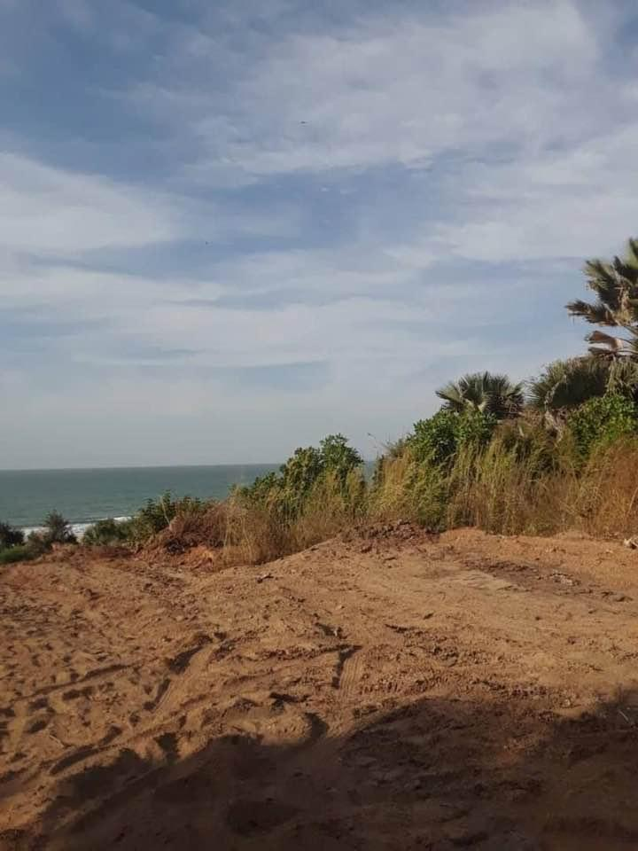 Sanyang Seaview Empty plots of land for sale 20 x 20 meters for D250,000 cash payment and D285,000 mortgage payment it is located 150 meters from the highway and out of TDA in a residential area of Sanyang