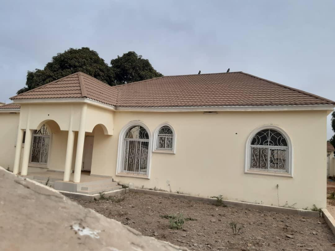 four bedroom house for rent at Kerr serign for  D250,000 per year