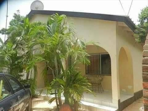 Three bedrooms house for sale at senegambia near GTBank 100 meters from the highway