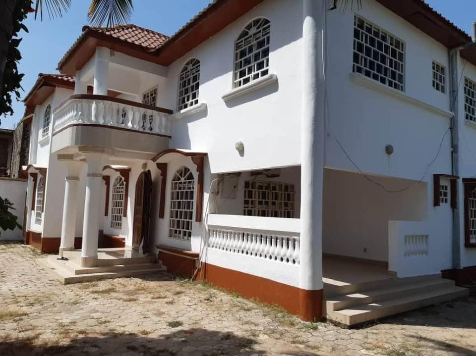 mansion for sale at bijilo
