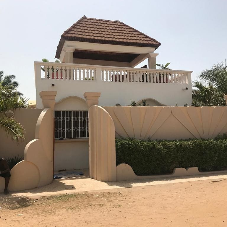 Three bedrooms house for rent at Kerr Serign, the house is just a walking distance to Senegambia and the price is D185,000 per year and a 10% security deposit which is refundable after the tenancy period