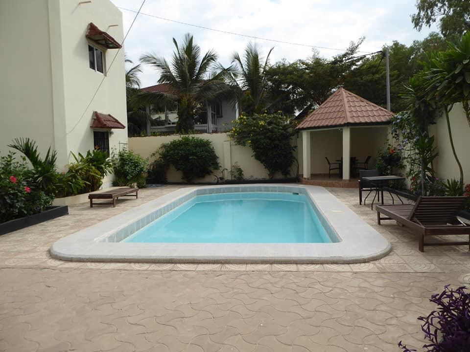Four bedrooms house with swimming pool at Brufut for sale