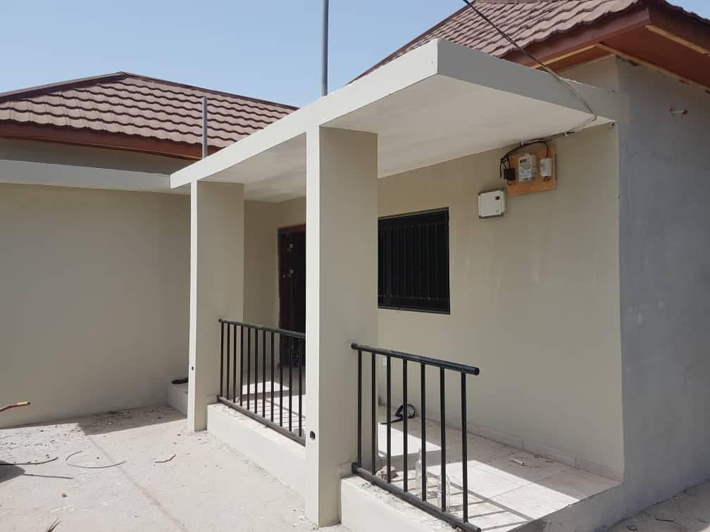 Newly built 3 bedrooms Located at Bijilo Price D4.5million with negotiations 100 meters from the high way
