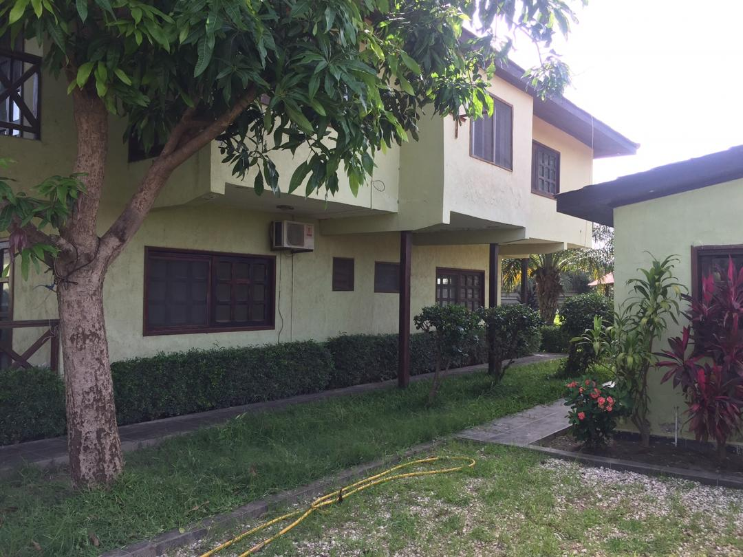 Four bedrooms house in Brufut heights with swimming pool for sale