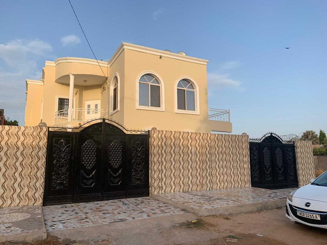 6 master bedrooms furnished house for sale at Brusubi phase 1 100 meters from the highway