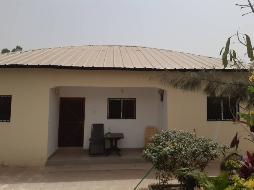 THREE BEDROOMS HOUSE FOR SALE AT KERRSERING 100 METERS FROM 2RAYS BAR AND RESTURANT