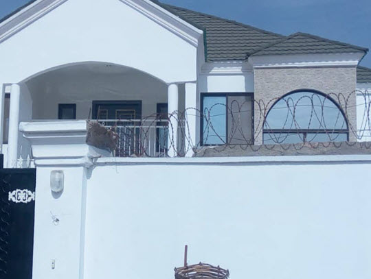 Full compound newly built, at Brufut 5 Bedrooms and swimming pool