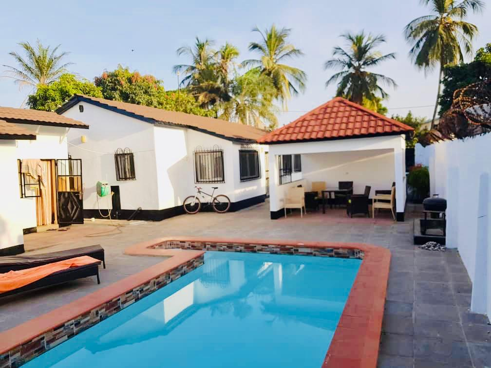 2 Bedroom property with swimming pool