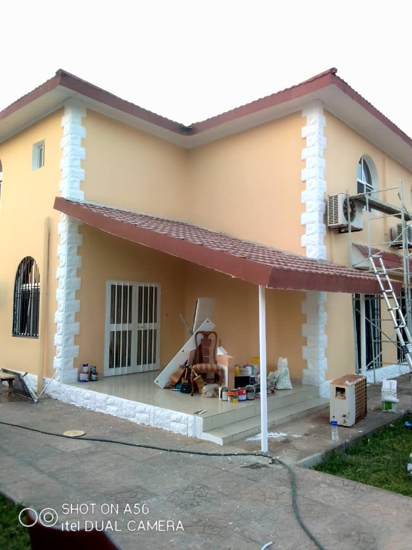 Fully furnished 4 bedrooms house for rent at brufut Taf on the highway with a seaview